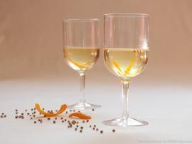 Αρωματικό λευκό κρασί πορτοκαλιού