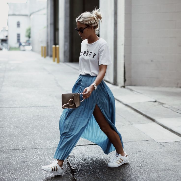 Great leisure outfit for summer. T-shirt, sneakers and long silk skirt
