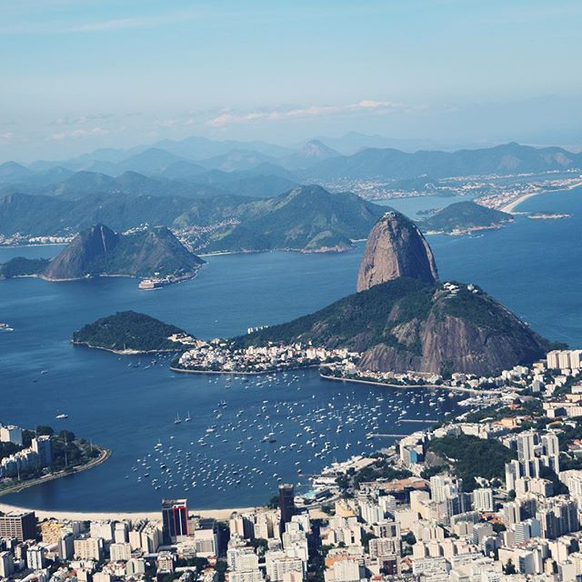 Breath-taking views everywhere! Brazil is such a stunning country! #riodejaneiro #brazil #explore #view #visitbrazil #sugarloaf #landscape #adventure #aroundtheworld #nissytravels
