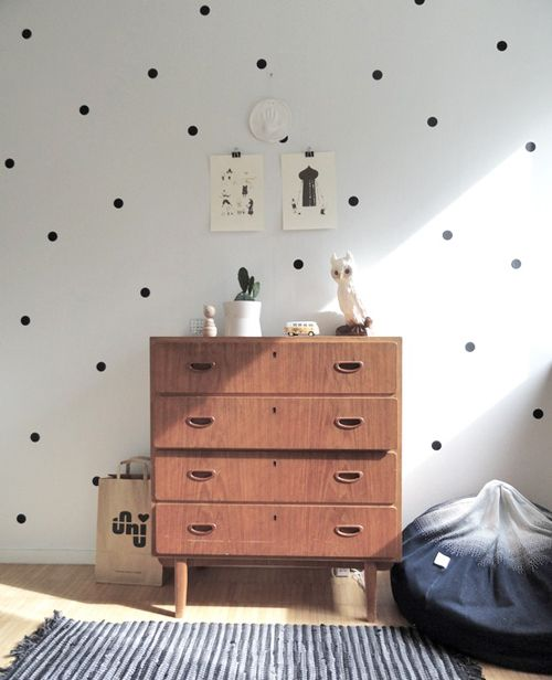 Studio ToutPetit: Wee Walls Wednesdays * Dotted Wall