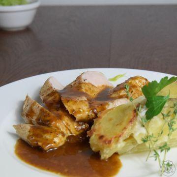 Kuřecí steak s bramborovým gratinem - kuřecí prsa s přílohou, které se nedá odolat