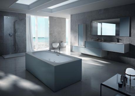 Bathroom faucet with nice bathtub
