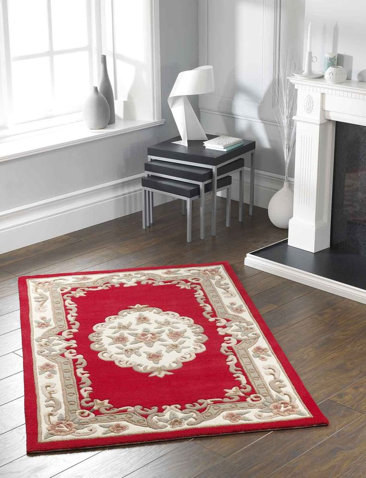 Truly Masterpiece! Impressive & detailed floral designing pattern. Vibrant colour theme for a perfect contemporary looks... It's time to make the most of your decor. #traditionalrugs  #redrugs #redtraditionalrugs #largerugs #purewoolrugs #woolrugs #circlerugs #halfmoonrugs #luxuryrugs