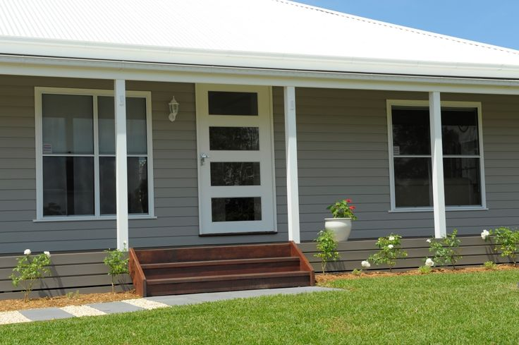 Mitchell 6 Country Style Home in Branxton. Built by Manor Homes. Ranch style layout, with large  verandah