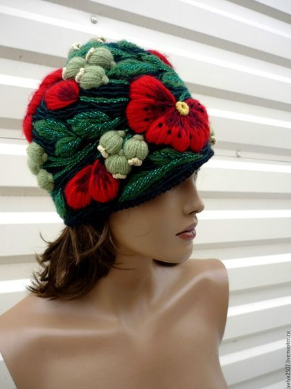 Купить или заказать шапка с вышивкой'Маки' в интернет-магазине на Ярмарке Мастеров. ручная авторская работа.ручная вышивка.