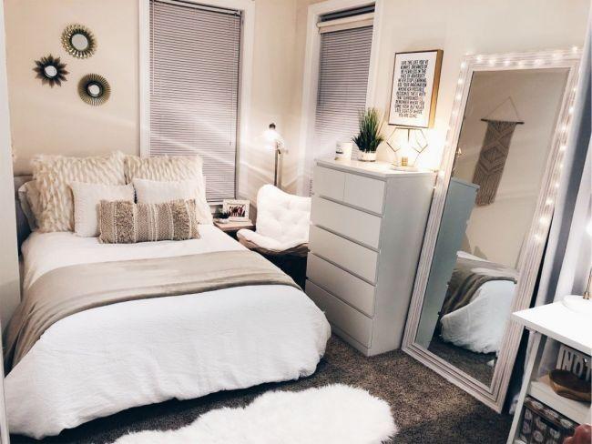 Pinterest Jaeelizabethh Small Room Bedroom Apartment Room Small Apartment Room