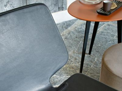 LEMA | The neat design style with hints to the art world of Roberto Lazzeroni characterises this lounge chair WERNER.