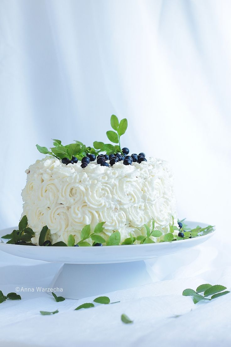 Wiem co jem: Urodzinowy tort jagodowy