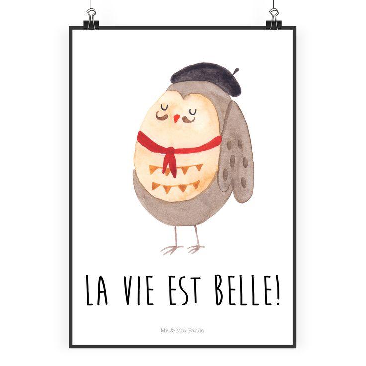 """Poster DIN A2 Eule Französisch aus Papier 160 Gramm  weiß - Das Original von Mr. & Mrs. Panda.  Jedes wunderschöne Poster aus dem Hause Mr. & Mrs. Panda ist mit Liebe handgezeichnet und entworfen. Wir liefern es sicher und schnell im Format DIN A2 zu dir nach Hause.    Über unser Motiv Eule Französisch  Ganz nach dem Motto """"La vie est belle"""". Die wunderbare französisch Eule von Mr. & Mrs. Panda.    Verwendete Materialien  Es handelt sich um sehr hochwertiges und edles Papier in der Stärke…"""