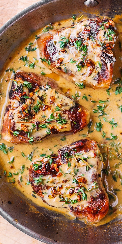 Lamb Chops with Garlic Mustard-Thyme Sauce