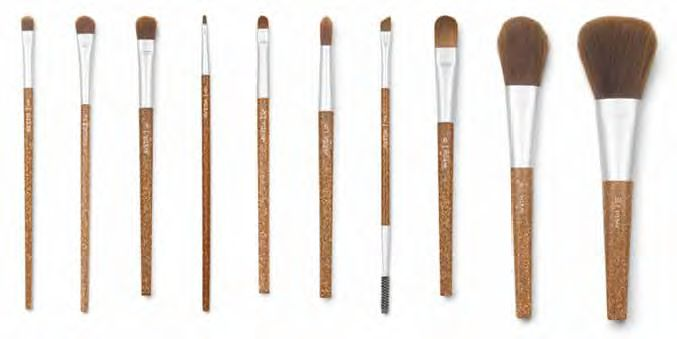 Flax Sticks™ Daily Effects Brushes by Aveda: a collection of essential brushes for effortless makeup application. Part of our professional makeup brush family, each with an eco-responsible flax-infused handle and luxuriously soft bristles made with 100% taklon (non-animal) fiber. SOLD HERE find us at  manestage.ca