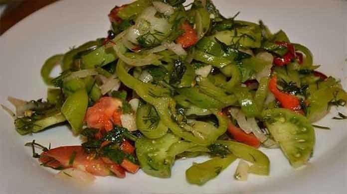 Вкусный салат из зеленых помидор