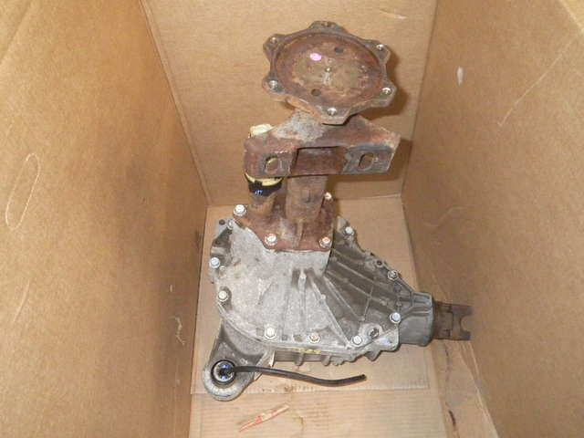 2004 CHEVROLET SILVERADO 2500 Front Carrier Assembly 165K