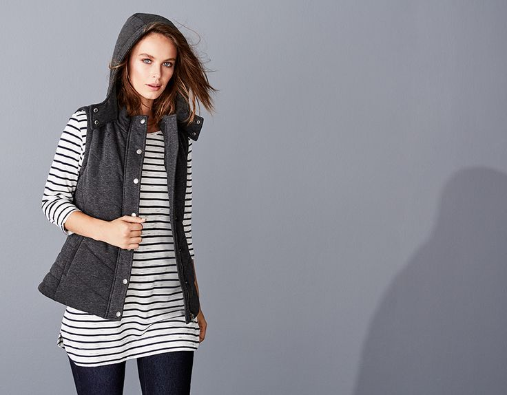 THE EASY STRIPE TUNIC / The essential building block for every wardrobe. With its easy wearing silhouette and super soft viscose cotton blend fabrication, this tunic can just as easily be worn slouched over leggings at home or paired with denim for a stylishly at ease weekend look. Zipper and splice stripe shoulder details add timeless appeal.