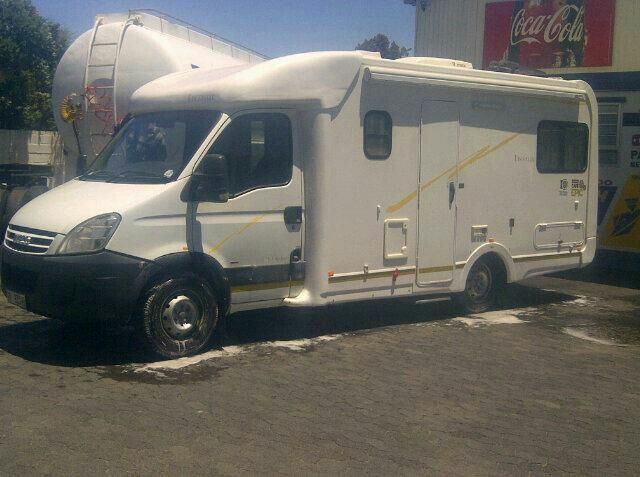 Fully equip Motorhome with Solar Power, dstv, gas stove & fridge shower toilet..R3500 per day
