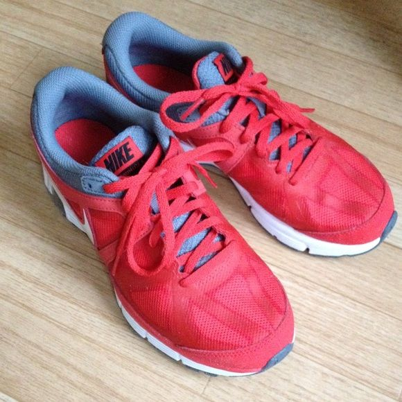 Nike max runlite4 shoes!price is firm! almost new! Nike Shoes