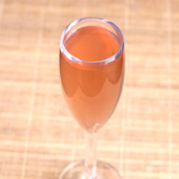 Bellini drink recipe: white peach puree, prosecco... and also an alternative when fresh peaches aren't available