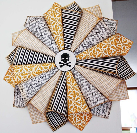 HALLOWEEN IDEAS: Halloween Projects, Paper Wreaths, Halloween Paper, Home Decor Ideas, Halloween Crafts, Scrapbook Paper, Christmas Paper, Halloween Wreaths, Halloween Ideas