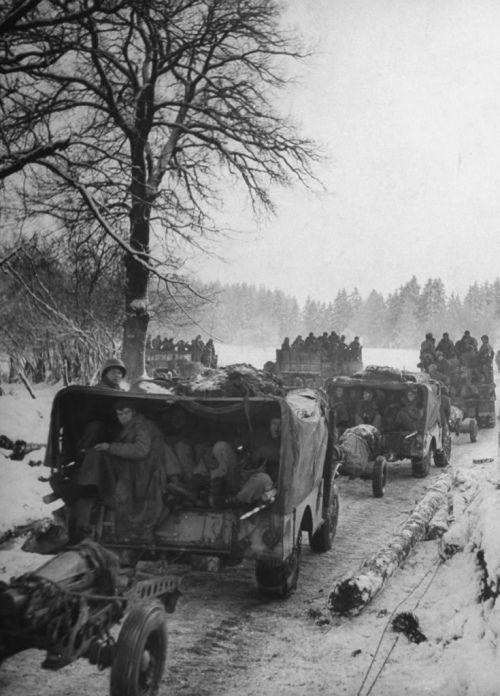 Battle of the Bulge, US airborne troops being rushed in to stop the German spearhead...