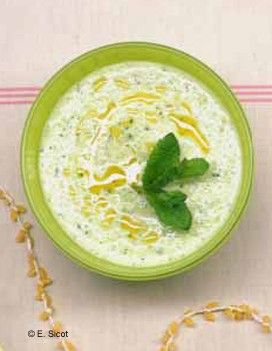 Soupe froide de courgettes à la menthe pour 2 personnes - Recettes Elle à Table - Elle à Table