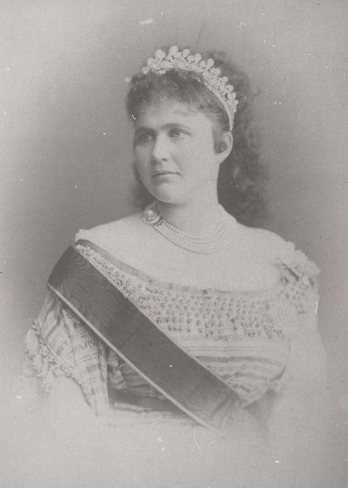 Queen Elizabeth Of Romania nee Pss Of Wied And aka Carmen Sylva, Her Pseudonym   c.1890;s