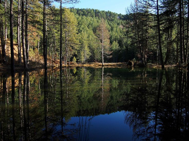 https://flic.kr/p/kHkrNm   Greveniti - Zorika lake   This awesome small lake is a small miracle! Its location is close to Greveniti village at eastern Zagorochoria, Ioannina.