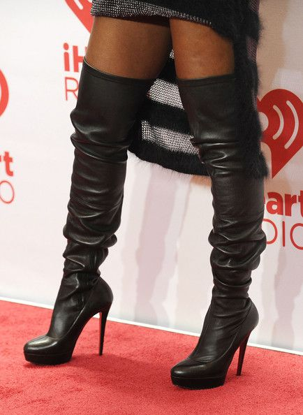 Kelly Rowland Photos Photos - Entertainer Kelly Rowland (shoe detail) attends the iHeartRadio Music Festival at the MGM Grand Garden Arena on September 20, 2013 in Las Vegas, Nevada. - Backstage at the iHeartRadio Music Festival