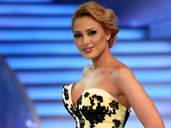 Iulia Vantur, inlocuita! Salman Khan se iubeste cu o grecoaica - http://romaniamondena.ro/iulia-vantur-inlocuita-salman-khan-se-iubeste-cu-o-grecoaica/