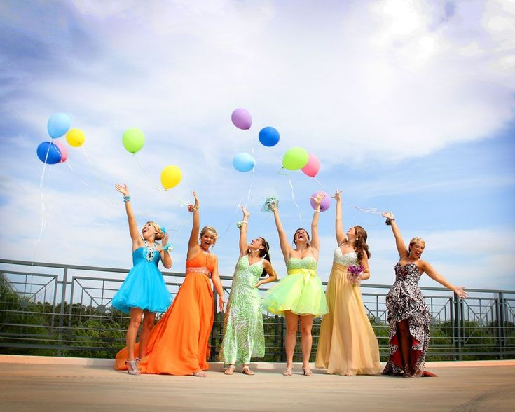 20 Creative Prom Poses to Get Your Squad Ready for the Best Night Ever