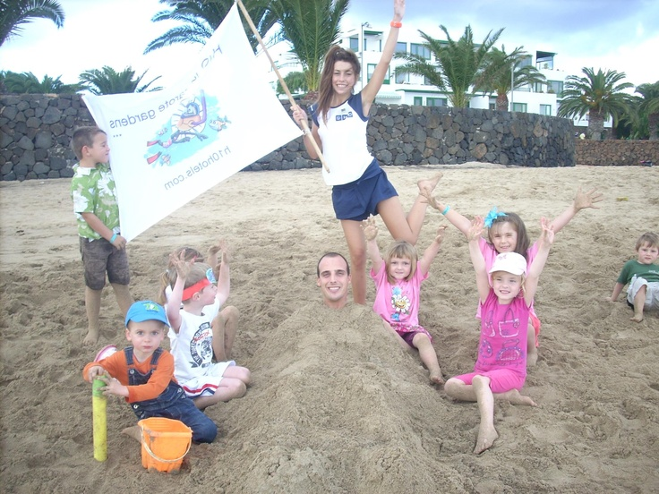 H10 Lanzarote Gardens Miniclub at the beach with Mario and Patry :)