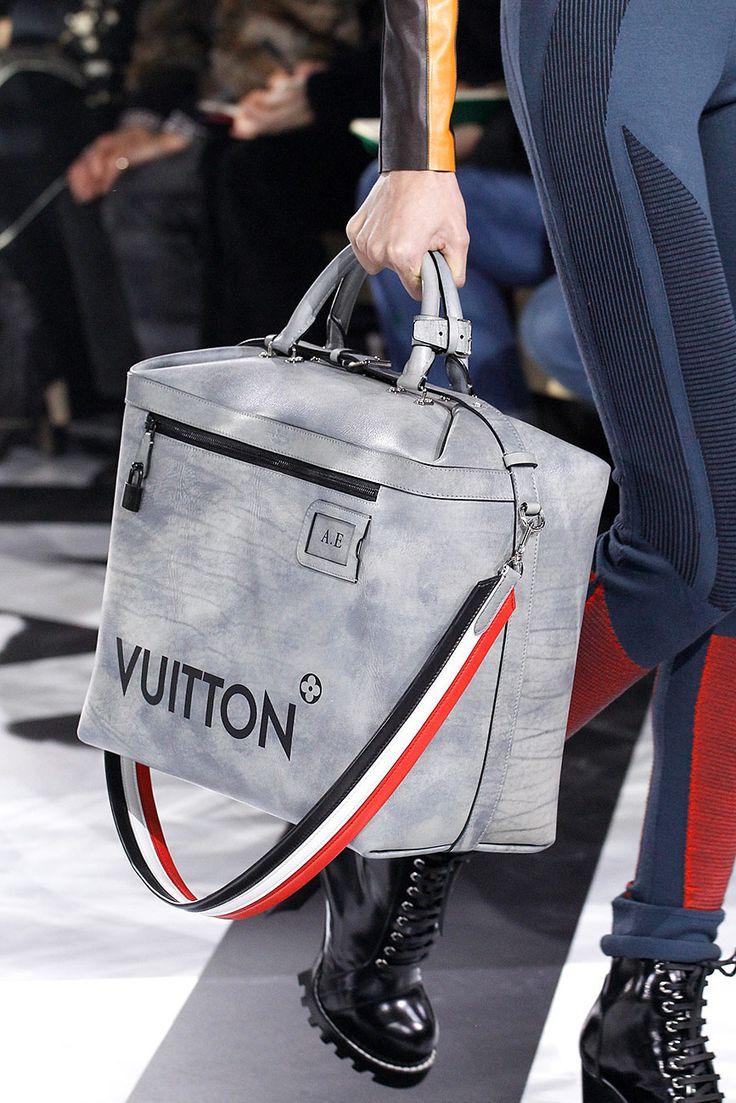 Louis Vuitton - Detalles | Galería de fotos 43 de 116 | VOGUE