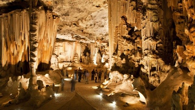 Cango Cave throne room, Oudtshoorn, South Africa
