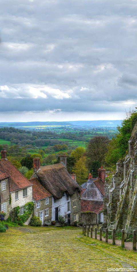U K Gold Hill Shaftesbury Dorset England Travel In Uk And Ireland Pinterest Beautiful
