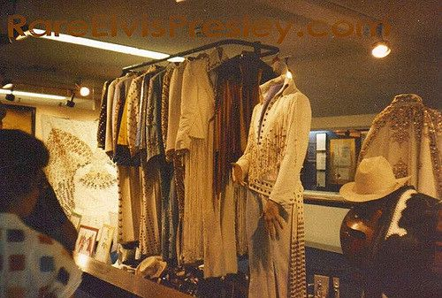 Graceland 1980--concert cloths