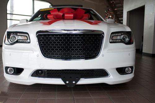 2011-2014 Chrysler 300 SRT8 - Quick Release Front License Plate Bracket