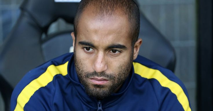 Manchester United linked with PSG winger Lucas Moura