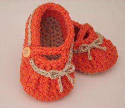 Caixinha de Pirlimpimpim: the cutest baby booties :)