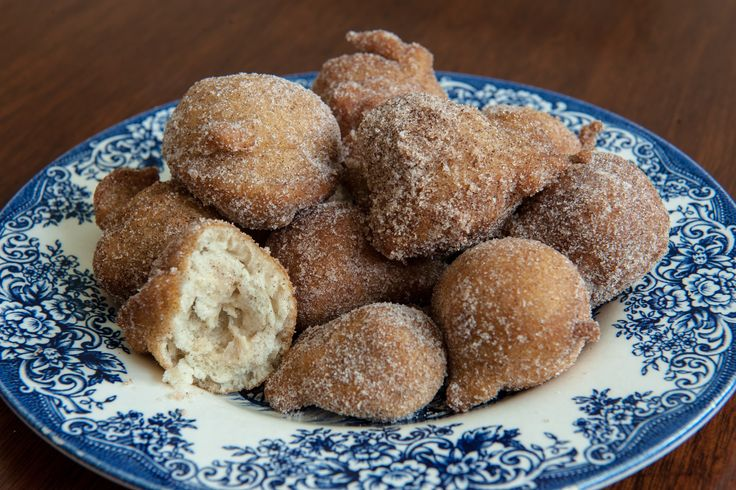 How to Make Donuts From Pancake Mix....This is dangerous! They taste like state fair fried goodness! I used powdered sugar and had to push the plate away so that I would stop munching!
