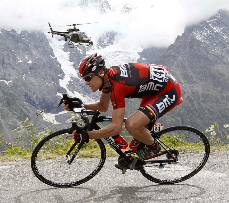 2011 22/7 rit 19 Galibier > Cadel Evans chasing on the descent