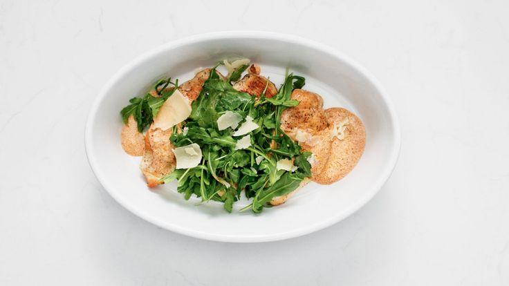 Escalopes de poulet, sauce rosée, roquette et parmesan   Zeste #zeste #recetteszeste #food #cooking #zestetv #chefszeste #magazine #chefs