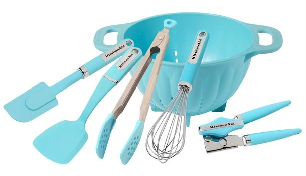 Kitchen Aid Classic Color Utensils - Turquoise - I finally came across the colander in the store last night, had to pass it up because it was discolored. :( My search will continue....only piece I am missing so far.