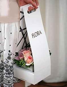 This is a beautifully clever product to safely carry flowers, especially when having to drive. Where can we get this for regular household use when going to the florist who does not have this packaging?...