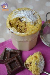 Mug cake al cioccolato, torta in tazza al microonde