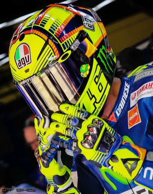 Racing Helmets Garage: Agv PistaGP Valentino Rossi 2015 by Drudi Performance - painted by DiD Design