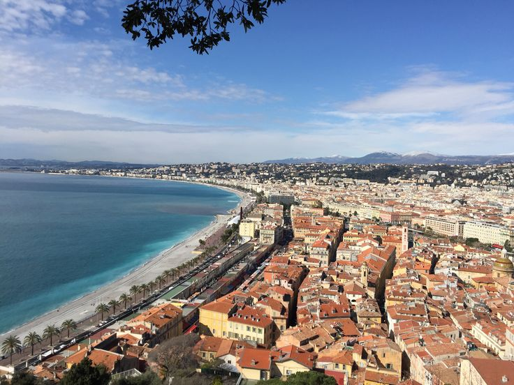 Nice old-town, Promenade des Anglais & Mediterranean sea. Perfect mix for a great picture!