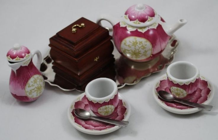 Felicity American Girl Doll Tea Set ($45)