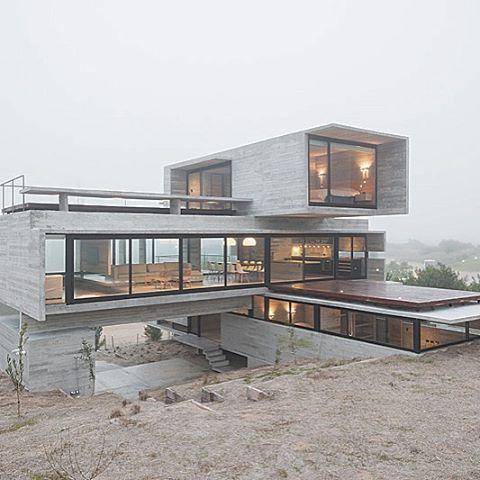 #ModernArchitecture #BeautifulHouse #Architects #architecture #brainfood #Inspire #interiordesign #2016 #homedecor  #Naturedesign