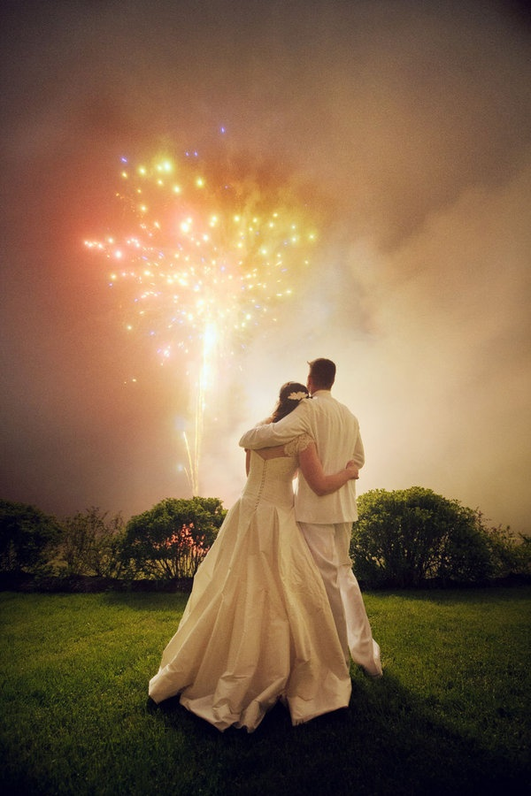 more fireworks: Photo Books, Photo Ideas, Inspirationw Photography, Inspiration Photo, Cute Ideas, Wedding Fireworks, Dreams Gowns, Thanks You Cards, Photography Ideas