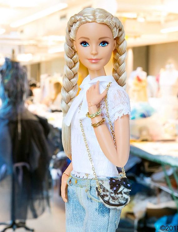 Barbie con  Sus trenzas