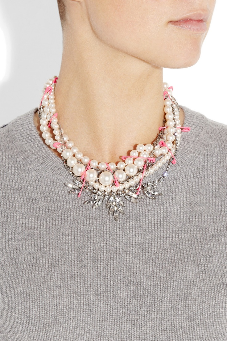 Tom Binns necklace is such a cool, modern take on pearls.